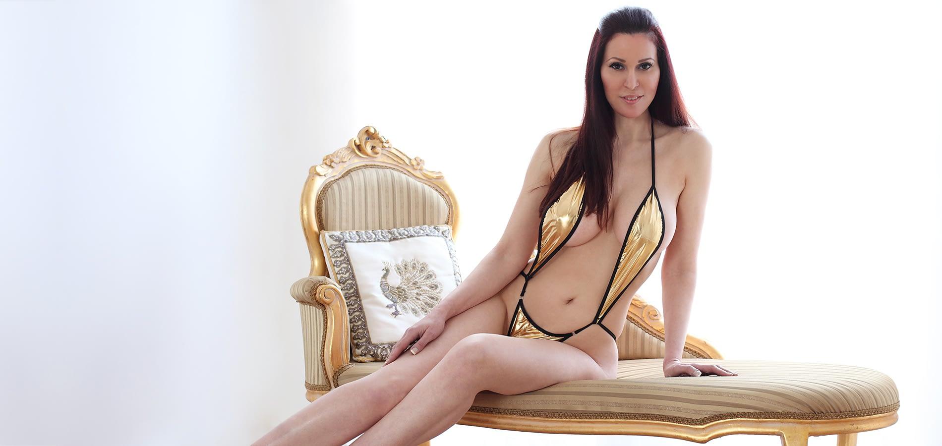 Amanda Swan-25_2964_Lee_1900x900